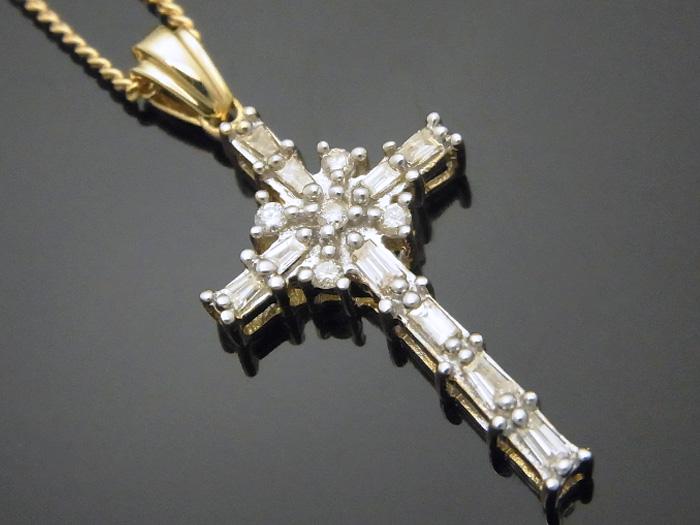 画像1: AQUAMASTERコレクション 14K イエローゴールド  ダイヤモンド0.31ct クロス ペンダント18kチェーンセット 18金 ネックレス